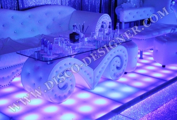 disco baroque table